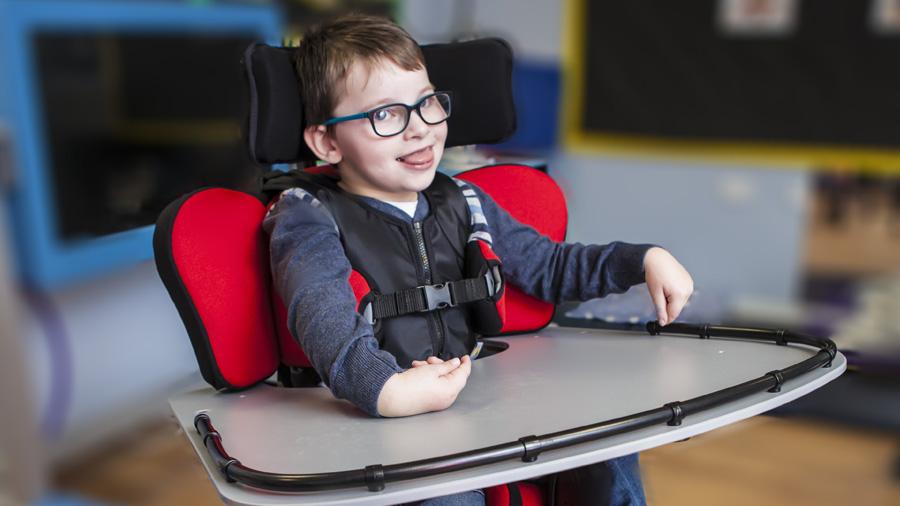 Característiques i beneficis més destacats de la cadira d'interior Junior +