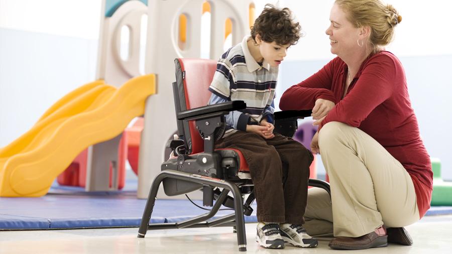 Consiga una mejor sedestación en niños con parálisis cerebral