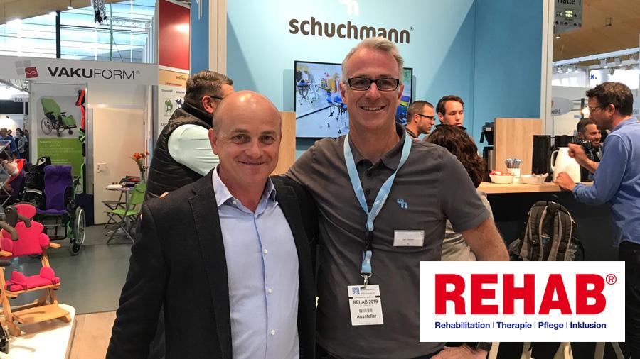 Informándonos de novedades en productos de apoyo en la feria Rehab de Alemania
