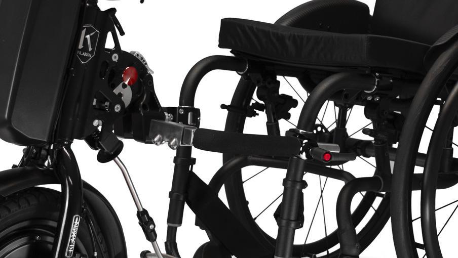 Nuevo sistema de conexión para las handbikes Klick a una silla de ruedas - RehaPro - Rehagirona