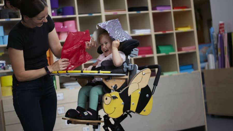 Mitjançant el joc millorem la qualitat de vida dels nens amb Paràlisi Cerebral