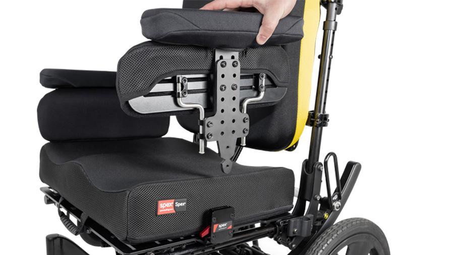 Mayor regulación de altura con los nuevos soportes para reposabrazos y controles de cadera Spex